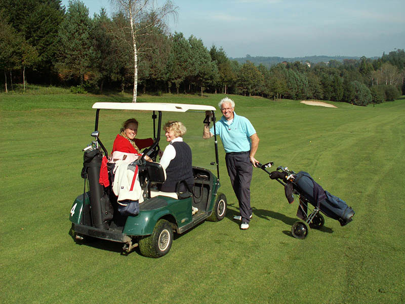 Playing golf in the Limousin