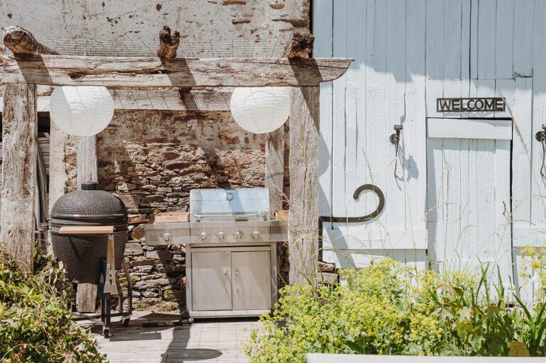 Eten en Loungen La-Bastide barbecue plek kamado voor algemeen gebruik master bbq chef