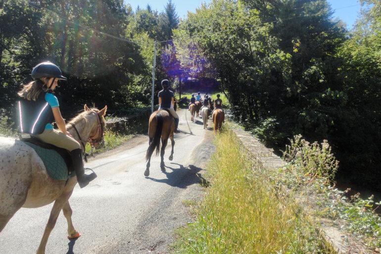 Paardrijden in Frankrijk paardrijrit kinderen sportactiviteiten Haute-Vienne