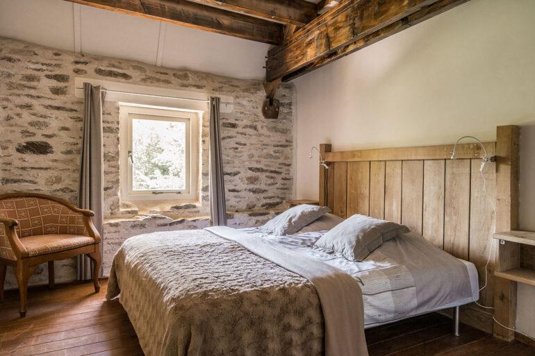 Vakantiehuis Bourgogne La-Bastide slaapkamer hoofdslaapkamer