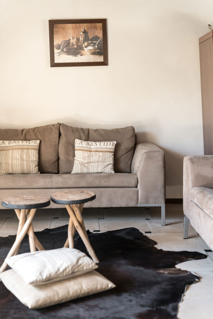 Vakantiehuis Bourgogne La-Bastide woonkamer mooi sfeervol