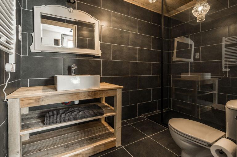 Vakantiehuis Dordogne La-Bastide badkamer schitterende badkamer met inloop douche