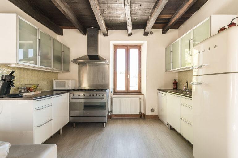 Vakantiehuis Haute-Vienne La-Bastide keuken schitterende open keuken met smeg apparatuur