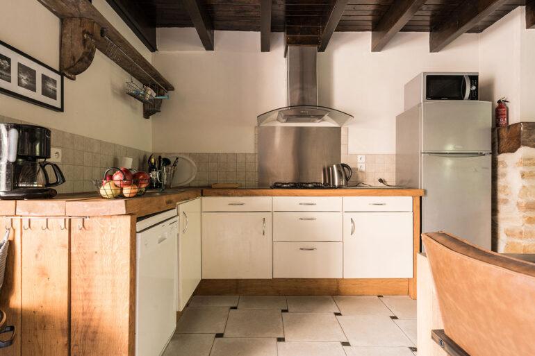 Vakantiehuis Limousin La-Bastide keuken sfeervolle landelijke keuken