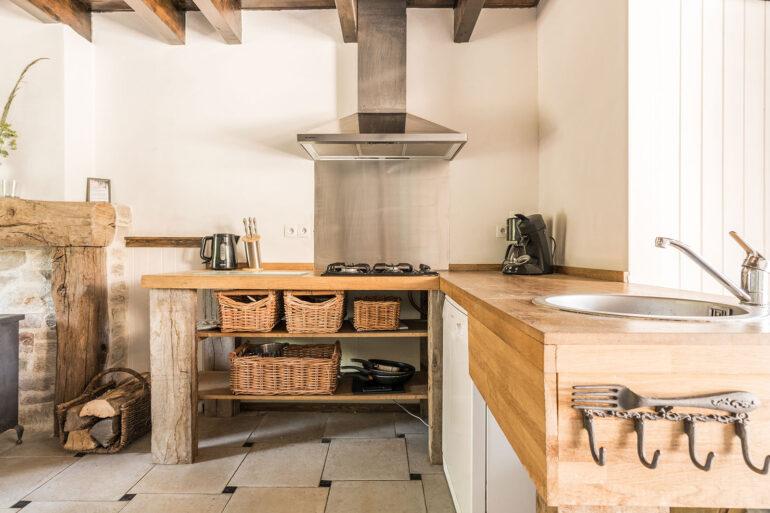 Vakantiehuis Loire La-Bastide keuken sfeervolle landelijke keuken