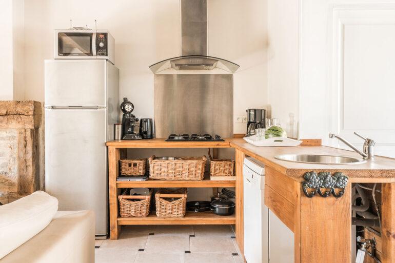 Vakantiehuis Normandië La-Bastide keuken open keuken landelijk lekker kokkerellen