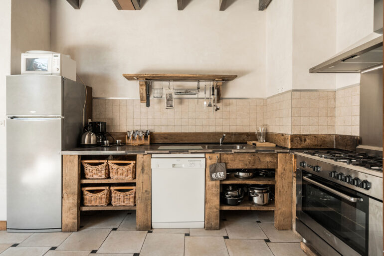 Vakantiehuis Provence La-Bastide keuken sfeervol van alle gemakken voorzien