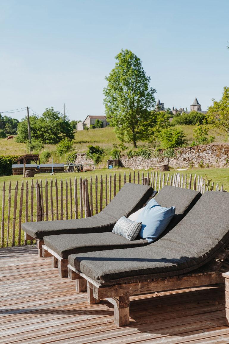 Vakantiehuis Provence La-Bastide terras ligbedden met een schitterend uitzicht