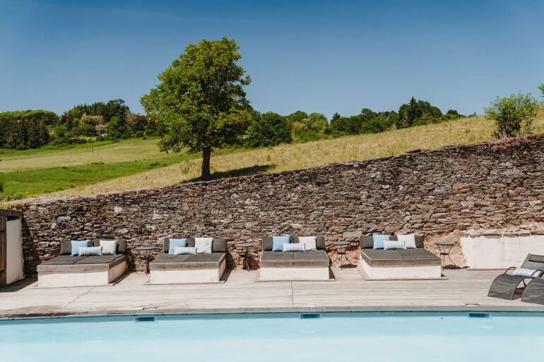 Zwembad La-Bastide relaxed op vakantie in Frankrijk