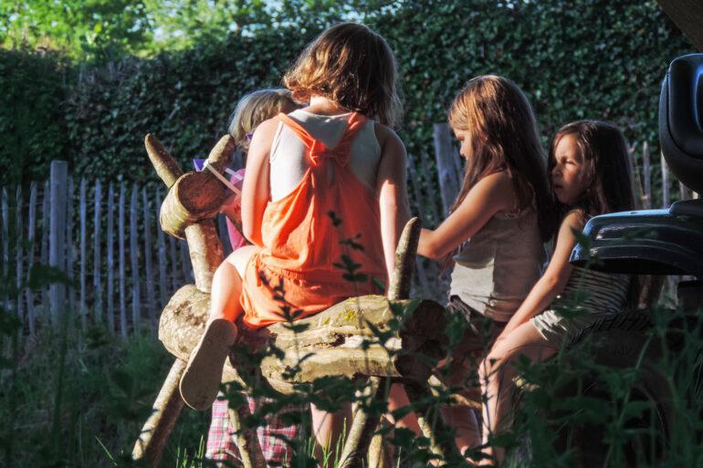 Kindvriendelijk La-Bastide spelen met vriendjes