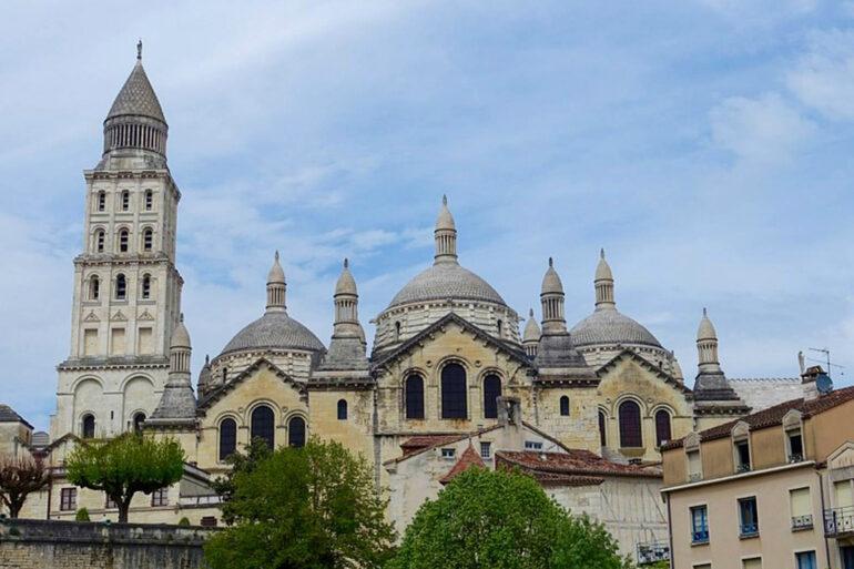 Omgeving La-Bastide steden Perigeux cathedral